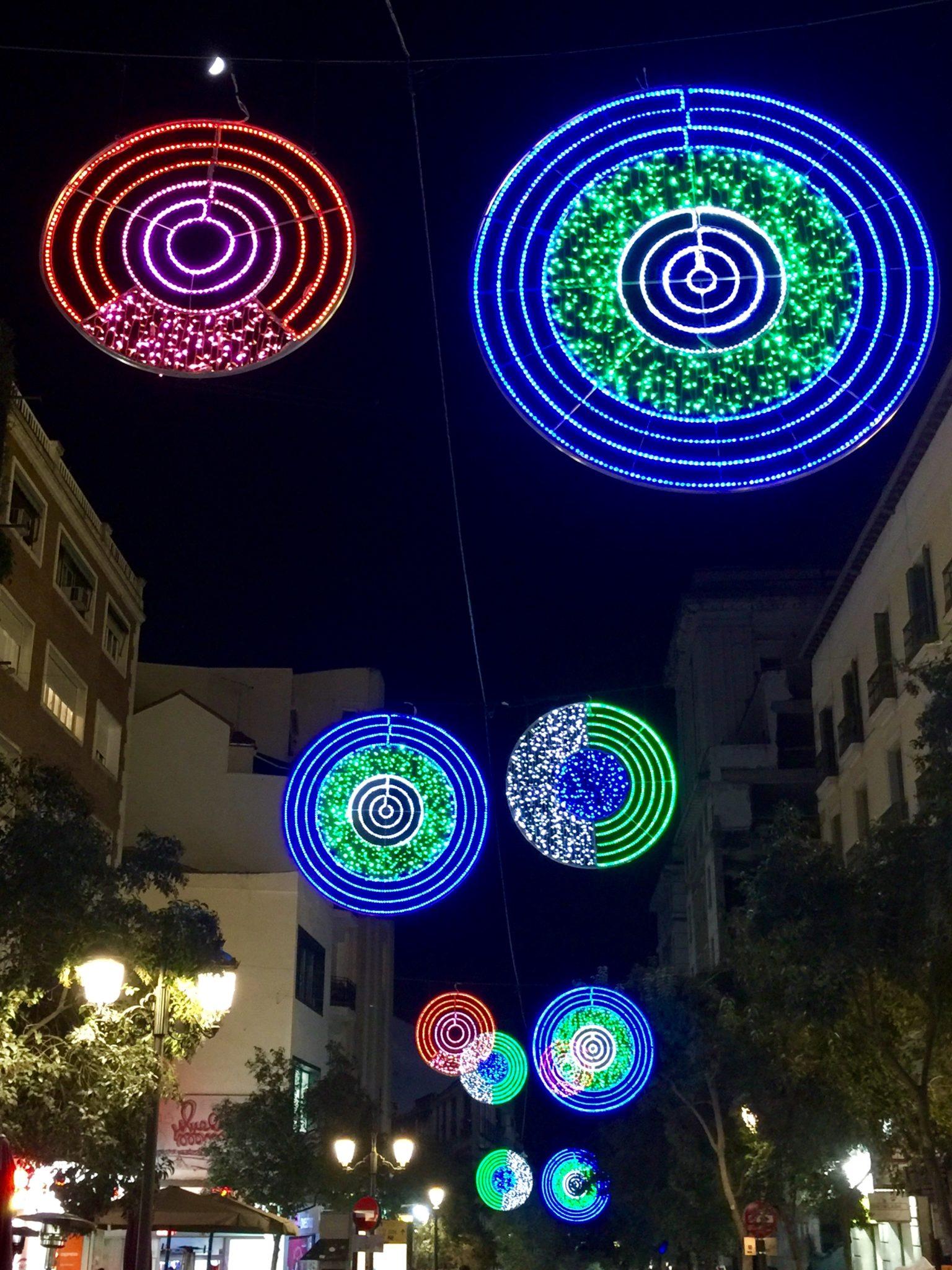 Moderne Weihnachtsbeleuchtung.Madrid Mostglobal Reiseblog